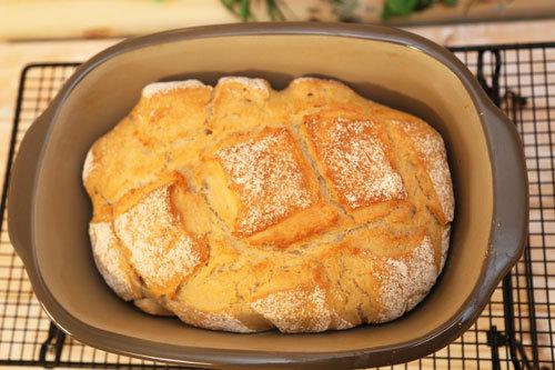 Thermomix Weizen-Joghurt-Brot im Ofenmeister von oben