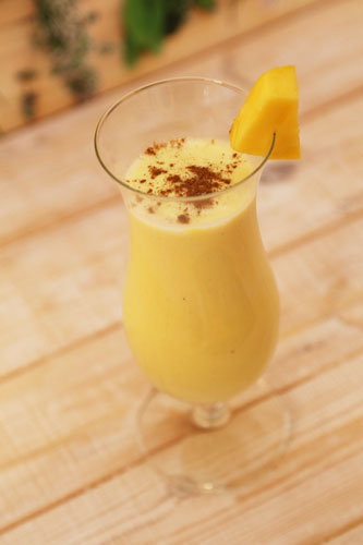 Ein Fruchtiger Lassi Mit Mango Aus Dem Thermomix Super Sattigend