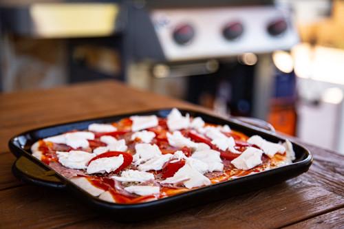 Pampered Chef Pizza auf kleinem Pizzastein