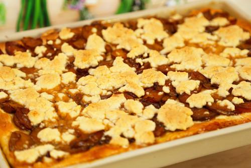 Pampered Chef Pflaumenkuchen auf Ofenzauberer fertig