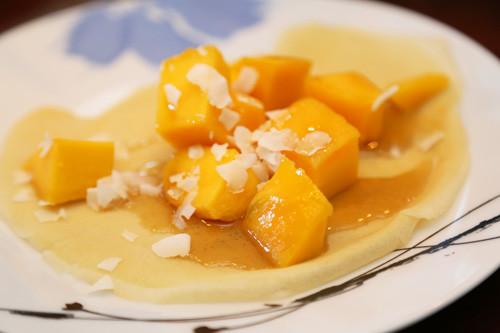 glutenfreie Pfannkuchen mit Mango