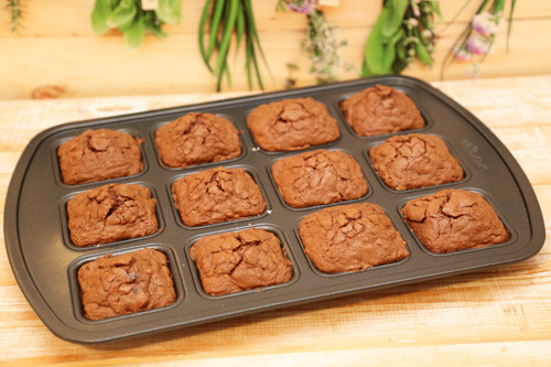 fertige Brownies in der Brownieform von Pampered Chef