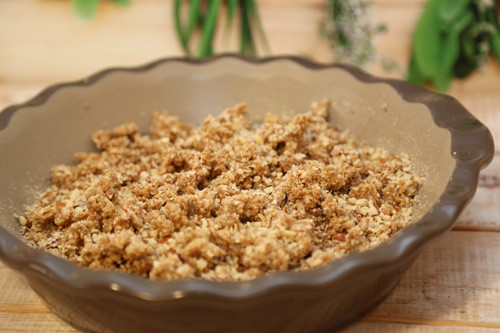 Thermomix Kirsch-Crumble in Pieform vor dem Backen
