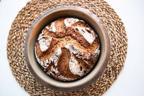 Pampered Chef Zaubermeister Dinkel-Malz-Brot auf Kuchengitter