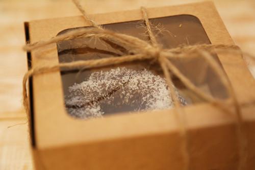 Mini-Gugelhupfe in Geschenkbox
