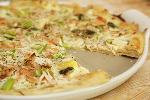 Pampered Chef White Lady Lachs-Flammkuchen detail