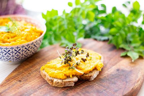 Thermomix Möhren-Mango-Aufstrich auf Brot