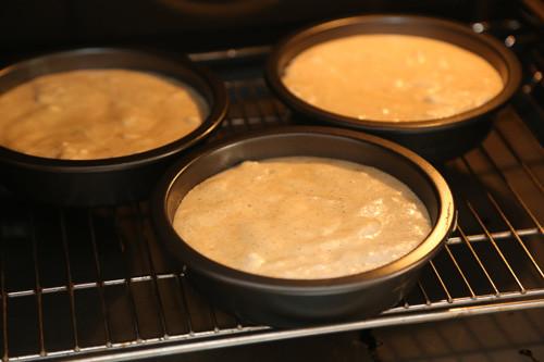 Pampered Chef Haselnusstorte Boden im Ofen
