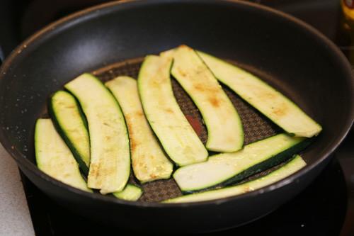 Zucchini in Pfanne