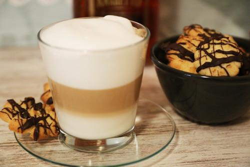 Pampered Chef Plätzchenpresse Amaretto-Plätzchen zum Kaffee