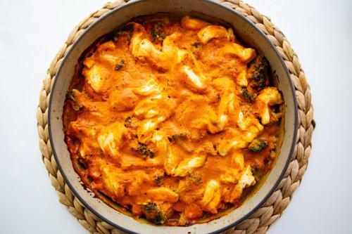 Pampered Chef runde Stoneware Brokkoli-Kartoffe-Hähnchenauflauf