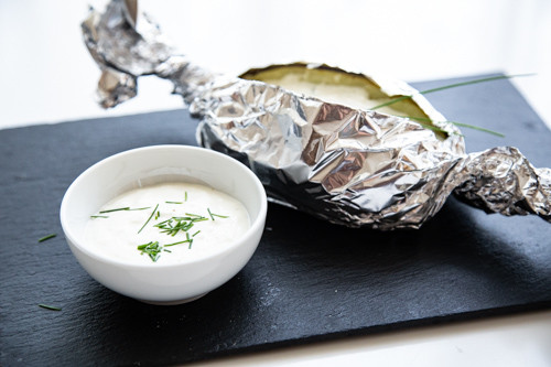 Thermomix Baked Potato mit Sour-Cream-Dip