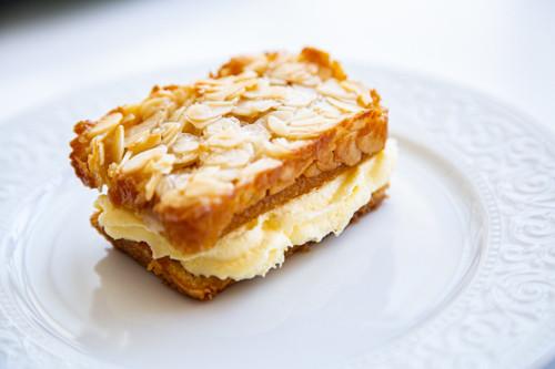 Pampered Chef Mini-Bienenstich-Kuchen Stück