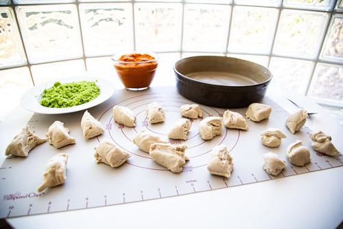 Pampered Chef runde Stoneware gefüllte Brötchen Teig