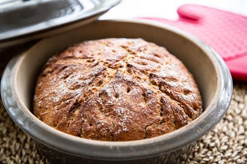 Pampered Chef Dinkel-Ruchmehl-Brot im runden Zaubermeister fertig gebacken