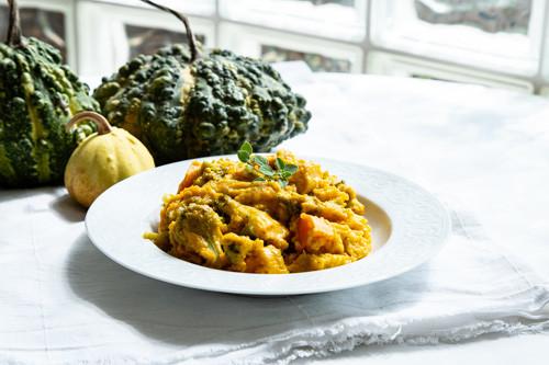 Pampered Chef runde Stoneware Kürbis-Süßkartoffel-Auflauf