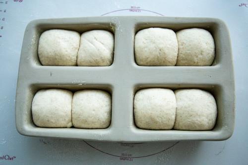 Pampered Chef Mini-Kastenform Toastbrot aufgegangen