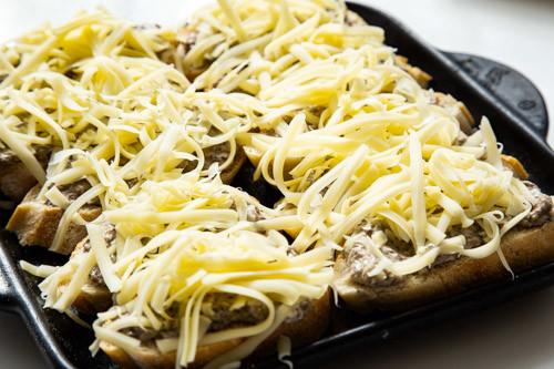 Pampered Chef Pilz-Trüffel-Baguettes noch nicht überbacken