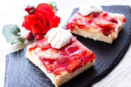 Pampered Chef Ofenzauberer Erdbeerboden Stück