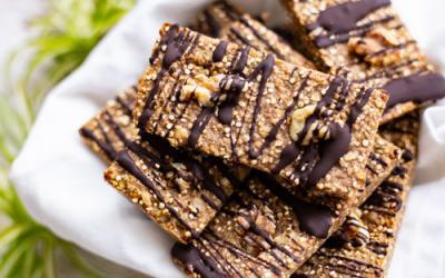 Quinoa-Müsliriegel mit Walnüssen im Snack Maker