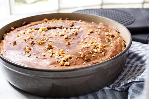 Pampered Chef Chocolate-Peanut-Cake