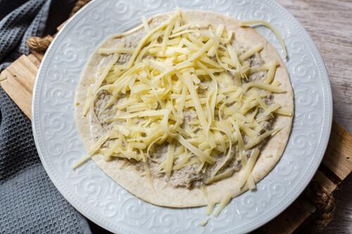Thermomix Tortilla-Fladen bestrichen mit Quesadilla-Masse