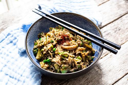 Pampered Chef gusseiserne Pfanne Asia-Reispfanne angerichtet