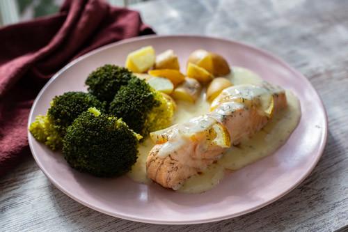Thermomix Lachsfilet mit Brokkoli und Kartoffeln an Dillsauce