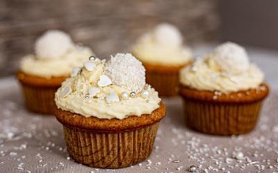 Raffaelo-Cupcakes in der Muffinform Deluxe