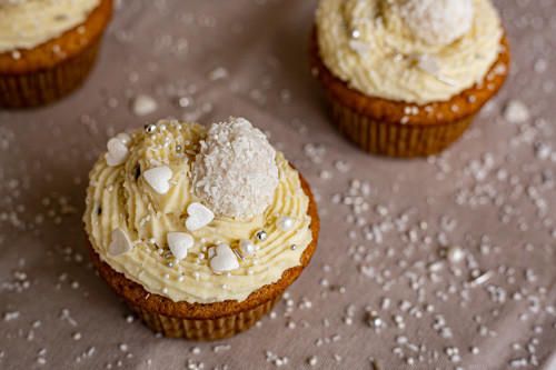 Pampered Chef Muffinform Raffaelo-Cupcakes