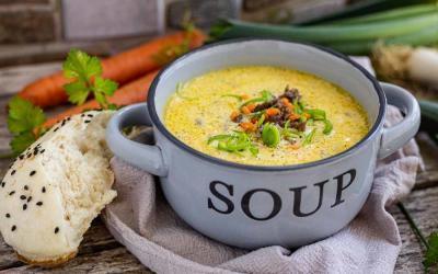 Lauch-Käsesuppe mit Hack im Thermomix