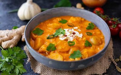 Vegane Makhani-Sauce mit Blumenkohl und Kartoffeln im Thermomix